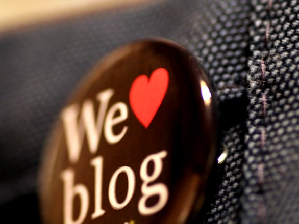 Why Should Small Business Websites Start Blogging?